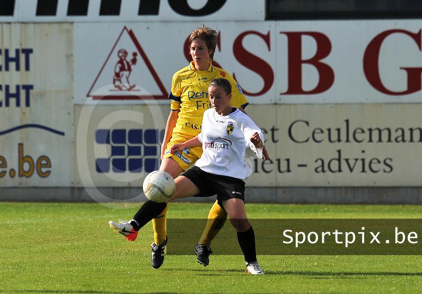 WB Sinaai Girls - WD Lierse SK B : Annemie Liefooghe met de balaanname voor Katrijn Windey.foto Joke Vuylsteke / Vrouwenteam.be