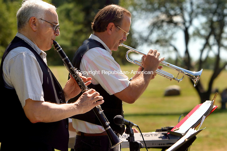 LITCHFIELD, CT- 31 AUGUST 2008 --083108JS02-Members of The Klezmen, Ed Friedman on clarinet, left, and Joel Schlank on trumpet play traditional Jewish music on Sunday during the 11th annual JewishFest at White Memorial in Litchfield. The festival runs though today (Monday) from 11:30 to 5:30. <br /> Jim Shannon / Republican-American