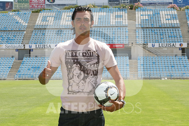 Getafe's new player Jordi Codina during his presentation.July 3 2009. (ALTERPHOTOS/Acero).