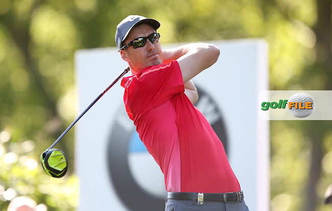 Ross FISHER (ENG)  drives the 17th during Round One of the 2015 BMW PGA Championship over the West Course at Wentworth, Virginia Water, London. 21/05/2015Picture David Lloyd, www.golffile.ie.