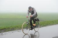 ELFSTEDEN: REA KLIF: 20-05-2013, Fietselfstedentocht, Fierljepper Oane Galama, ©foto Martin de Jong