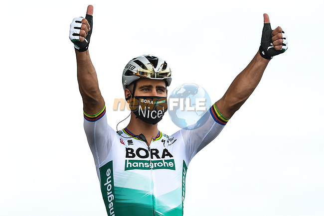 Peter Sagan (SVK) Bora-Hansgrohe at sign on before the start of Stage 1 of Tour de France 2020, running 156km from Nice Moyen Pays to Nice, France. 29th August 2020.<br /> Picture: ASO/Alex Broadway   Cyclefile<br /> All photos usage must carry mandatory copyright credit (© Cyclefile   ASO/Alex Broadway)