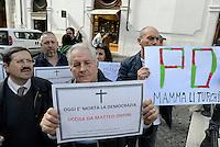 Roma, 26 Febbraio 2016<br /> Il Presidente insieme ai Consiglieri del Municipio VI di Roma protestano davanti Montecitorio dopo la sospensione del Partito Democratico.<br /> Cartelli contro Orfini e Pd