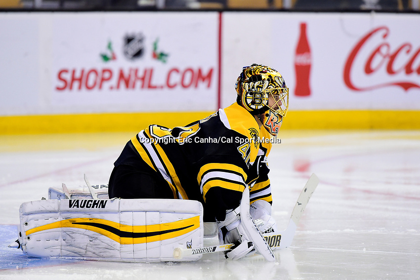 Saturday, December 31, 2016: Boston Bruins goalie Tuukka Rask (40) gets ready for the second period of the National Hockey League game between the Buffalo Sabres and the Boston Bruins held at TD Garden, in Boston, Mass. Boston defeats Buffalo 3-1.  Eric Canha/CSM