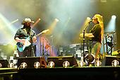 FORT LAUDERDALE FL - APRIL 08: Chris Stapleton and Morgane Stapleton perform during the Tortuga Music Festival held at Fort Lauderdale Beach on April 08, 2017 in Fort Lauderdale, Florida. : Credit Larry Marano © 2017