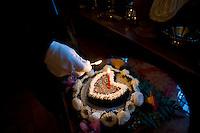 Vacone, Italia, 11 Luglio, 2014. E' il ristorante più piccolo del mondo, si chiama Solo per due e ci possono cenare solo due persone a sera. Si trova a Vacone in provincia di Rieti, a 70 km da Roma ed è gestito da Remo e Giovanni Di Claudio, padre e figlio che da più di 20 anni portano avanti questa attività.