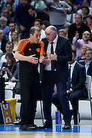 Real Madrid's coach Pablo Laso talks with the referee during Euroleague match at Barclaycard Center in Madrid. April 07, 2016. (ALTERPHOTOS/Borja B.Hojas) /NortePhoto