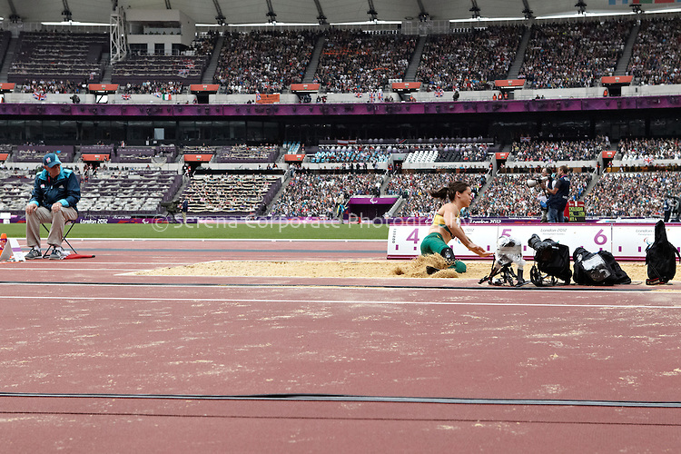 Australia's Kelly Cartwright sets a new world record and takes gold in the Women's F42-44 long jump final -London Paralympic Games 2012, 2.9.12