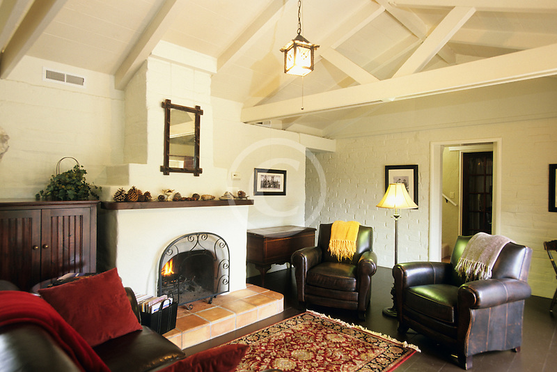 California, Santa Cruz, The Adobe on Green Street, Living Room