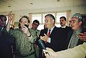 Iraq 2000.Dokan: Jalal Talabani recevant des poetes