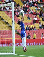 BOGOTA - COLOMBIA - 26-02-2017: Daniela Solera, portera de Atletico Huila, en acción, durante partido por la fecha 2 entre Independiente Santa Fe y Atletico Huila, de la Liga Femenina Aguila 2017, en el estadio Nemesio Camacho El Campin de la ciudad de Bogota. / Daniela Solera, goalkeeper of Atletico Huila, in action, during a match of the date 2 between Independiente Santa Fe and Atletico Huila, for the Liga Femenina Aguila 2017 at the Nemesio Camacho El Campin Stadium in Bogota city, Photo: VizzorImage / Luis Ramirez / Staff.