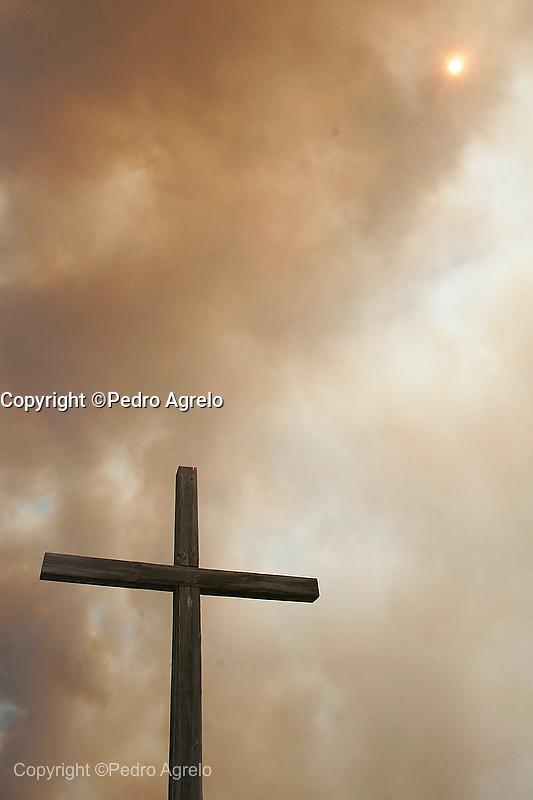 Incendio Forestal. Costa da morte, mirador de Ezaro