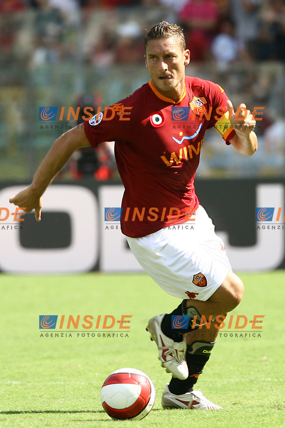 Roma 2/9/2007 Stadio Olimpico - Campionato Italiano Serie A. Matchday 2 - Roma Siena 3-0<br /> Francesco Totti (Roma)<br /> Foto Andrea Staccioli Insidefoto