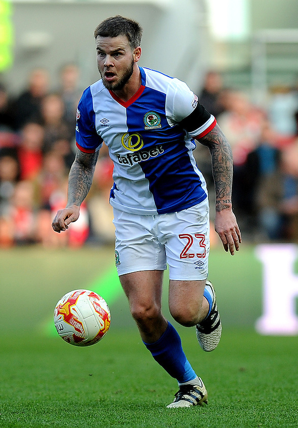 Blackburn Rovers' Danny Guthrie in action during todays match  <br /> <br /> Photographer Ashley Crowden/CameraSport<br /> <br /> The EFL Sky Bet Championship - Bristol City v Blackburn Rovers - Saturday 22nd October 2016 - Ashton Gate - Bristol<br /> <br /> World Copyright &copy; 2016 CameraSport. All rights reserved. 43 Linden Ave. Countesthorpe. Leicester. England. LE8 5PG - Tel: +44 (0) 116 277 4147 - admin@camerasport.com - www.camerasport.com
