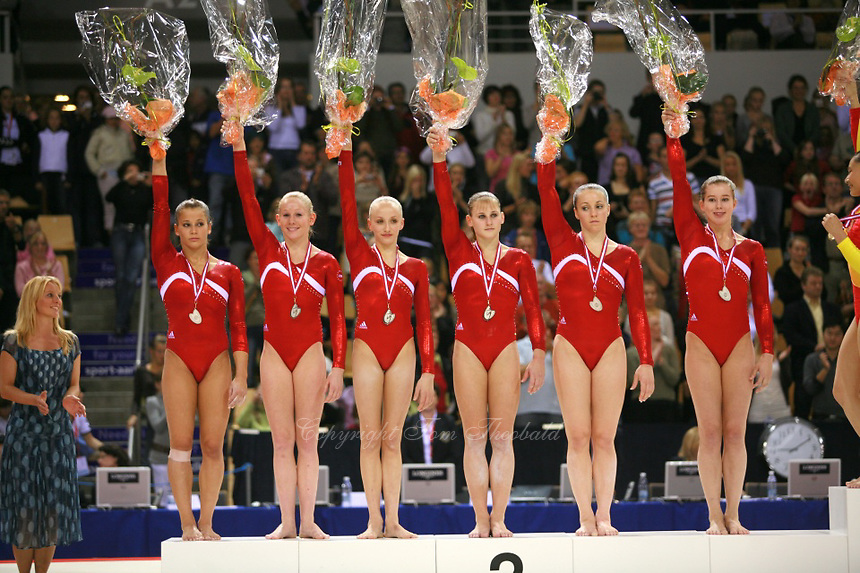 Oct 18 2006 Aarhus Denmark Team USA Celebrates Winning Silver In Womens