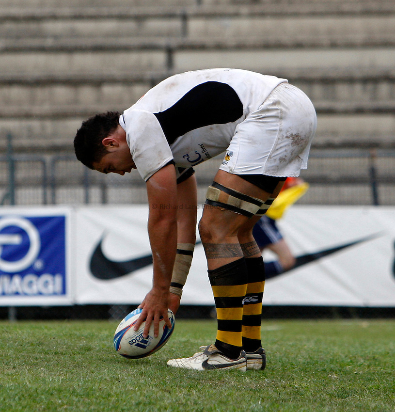 Photo: Richard Lane/Richard Lane Photography. Rugby Roma v London Wasps. Amlin Challenge Cup. 17/10/2009.   Wasps' Dan Leo touches down for a try.