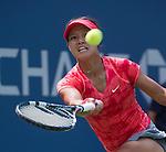 Na Li (CHN) Defeats Laura Robson (GRB) 6-2, 7-5