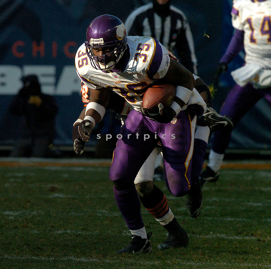 CIATRICK FASON, of the Minnesota Vikings during their game  against the Chicago Bears on December 03, 2006 in Chicago, IL...Bears win 23-13...DAVID DUROCHIK / SPORTPICS