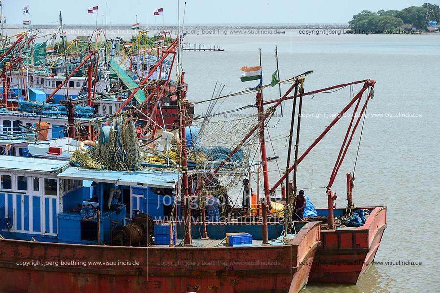 INDIA, Karnataka, Mangaluru, former name Mangalore, trawler in fishing port during monsoon