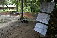 Sítio da congregação de Notre Dame em Anapú, local da sepultura de Irmã Dorothy.<br /> <br /> Um dia após o enterro da missionária americana Dorothy Mae Stang, assassinada último dia 12/02,  agentes das polícias civil, federal e militar  em busca de informações na região.<br /> O clima é tenso  após o assassinato da religiosa ocorrido no municÌpio.<br /> Irmã Dorothy, 73 anos  vinte oito dos quais na Amazônia foi sassinada brutalmente as 7: 30 de 12/02/2005 quando saia de uma casa no PDS Esperança.<br /> Anapú, Pará, BrasilFoto Paulo Santos/Interfoto16/02/2005