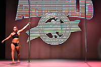 SÃO PAULO,SP - 21.04.2017 - ARNOLD-CLASSIC - Competidora, durante Campeonato Panamerica de Pole Dance, categoria Iniciante, no evento Arnold Classic South America, realizado no Transamérica Expo Center, zona sul de São Paulo (SP), na manhã desta sexta-feira, 21. O Arnold Classic faz sua estreia em São Paulo, após quatro anos no Rio de Janeiro, com números superlativos. (Foto: Eduardo Carmim/Brazil Photo Press/Folhapress)