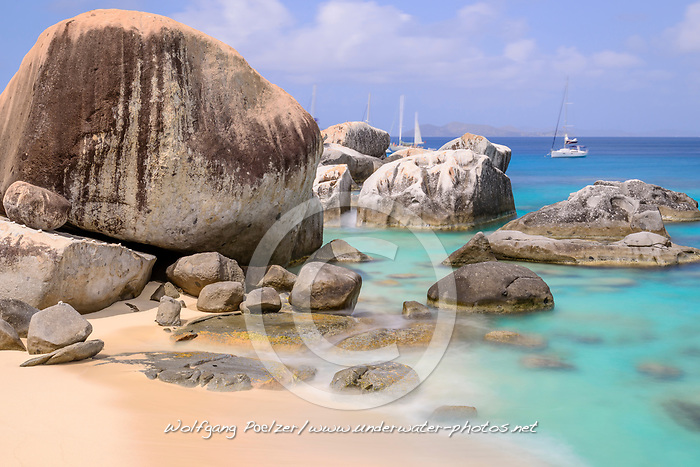 Spring Bay mit Felsbloecke beim Sandstrand The Baths, Spring Bay with boulder by Sandy Beach The Baths, The Baths, Spring Bay, Virgin Gorda Island, Britische Jungferninsel, Karibik, Karibisches Meer, British Virgin Islands, BVI, Caribbean Sea