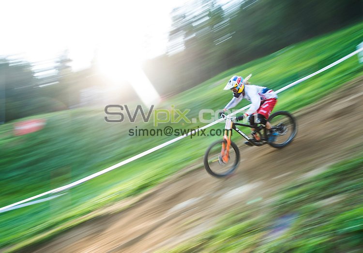 Picture by Alex Broadway/SWpix.com - 11/09/2016 - Cycling - 2016 UCI Downhill World Championships - Commezzadura, Italy - Rachel Atherton of Great Britain in action during the final practice session.