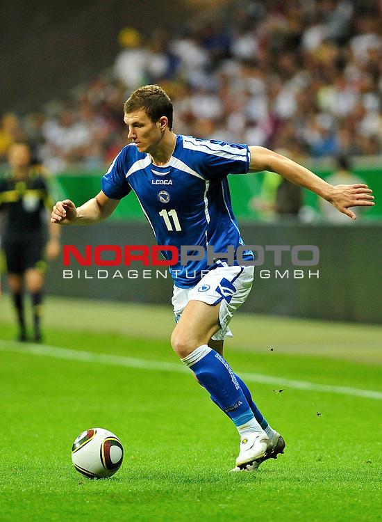 03.06.2010, Commerzbank-Arena, Frankfurt, GER, FIFA Worldcup Vorbereitung, Deutschland vs Bosnien-Herzegowina???, im Bild Edin Dzeko (VfL Wolfsburg #11), Foto: nph /  Roth