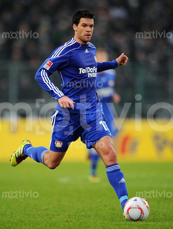 FUSSBALL   1. BUNDESLIGA   SAISON 2010/2010   19. Spieltag Borussia Moenchengladbach - Bayer 04 Leverkusen   23.01.2011 Michael BALLACK (Bayer 04 Leverkusen) Einzelaktion am Ball