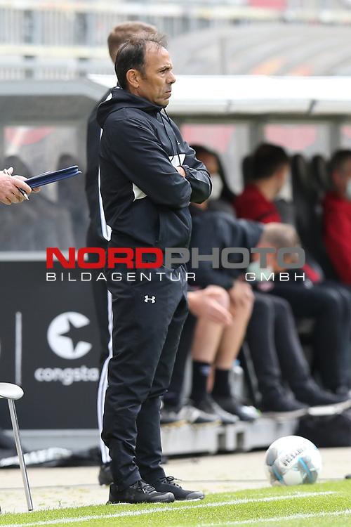 nph00001:  nph0001:  17.05.2020 --- Fussball --- Saison 2019 2020 --- 2. Fussball - Bundesliga --- 26. Spieltag: FC Sankt Pauli - 1. FC Nürnberg --- --- DFL regulations prohibit any use of photographs as image sequences and/or quasi-video - Only for editorial use ! --- <br /> <br /> Jos Luhukay (Trainer FC St. Pauli ) <br /> <br /> Foto: Daniel Marr/Zink/Pool//via Kokenge/nordphoto