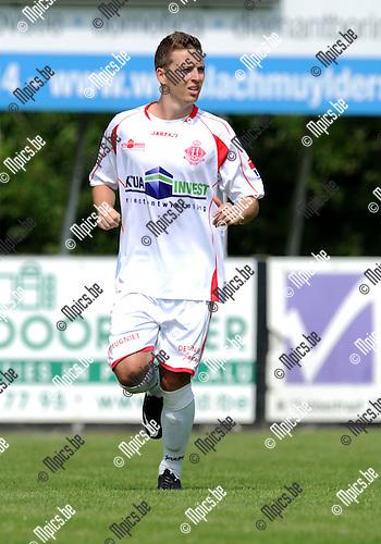 2013-07-15 / Voetbal / seizoen 2013-2014 / Rapid Leest - Hoogstraten VV / Bart Cornelissen<br /><br />Foto: Mpics.be