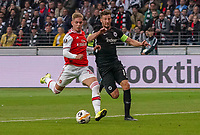 Emile Smith Rowe (Arsenal London) gegen David Abraham (Eintracht Frankfurt) - 19.09.2019:  Eintracht Frankfurt vs. Arsenal London, UEFA Europa League, Gruppenphase, Commerzbank Arena<br /> DISCLAIMER: DFL regulations prohibit any use of photographs as image sequences and/or quasi-video.