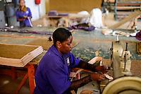 TANZANIA Tanga, Sisal industry, Tancord 1998 Ltd., processing of sisal fibres to yarn rope mat carpet , door mats / TANSANIA Tanga, Sisal Industrie, Tancord ein Unternehmen der Katani Gruppe  Verabeitung der Sisalfaser zu Garn, Seil, Matte, Teppich, Fussmatten