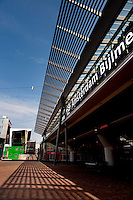 """The """"Amsterdam Bijlmer ArenA"""" train station in Amsterdam, designed by Grimshaw Architects (Holland, 17/04/2011)"""