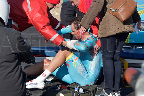 19.02.2016. Contre le Montre, Portual.  SANCHEZ GIL Luis Leon (ESP) Rider of ASTANA PRO TEAM is injured after a crash during stage 3 of the 42nd Tour of Algarve cycling race, an individual time trial of 18km, with start and finish in Sagres on February 19, 2016 in Sagres, Portugal.