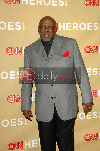 "Louis Gossett Jr.<br /> at the ""CNN Heroes: An All-Star Tribute,"" Kodak Theater, Hollywood, CA. 11-21-09<br /> David Edwards/DailyCeleb.Com 818-249-4998"