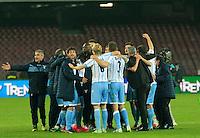 i calciatori della Lazio esultano a fine  l'incontro di ritorno della semifinale  Tim Cup tra     Napoli - Lazio allo  Stadio San Paolo  di Napoli ,08 Aprile  2015