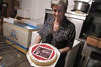 - social center Leoncavallo, the cake Che Guevara....- centro sociale Leoncavallo, la torta Che Guevara