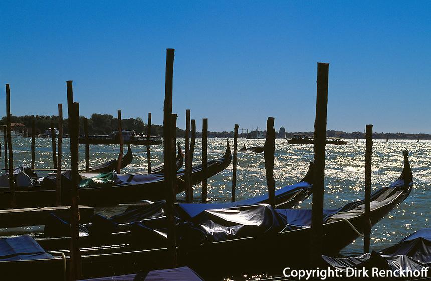 Gondeln bei San Zaccaria, Venedig,  Venetien, Italien, Unesco-Weltkulturerbe