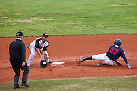 BASEBALL - EUROPEAN CUP 2009 - NETTUNO (ITA) - 01/04/2009 - .PHOTO : CHRISTOPHE ELISE / 42 SPORTS IMAGES.TENERIFE MARLINS V ROUEN BASEBALL '76 (0-2) - ENRIQUE SANCHEZ (TENERIFE), JORIS BERT (ROUEN)