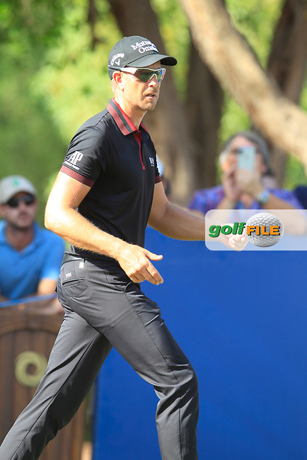 Henrik Stenson (SWE) on the 16th tee during the final round of the DP World Tour Championship, Jumeirah Golf Estates, Dubai, United Arab Emirates. 18/11/2018<br /> Picture: Golffile | Fran Caffrey<br /> <br /> <br /> All photo usage must carry mandatory copyright credit (&copy; Golffile | Fran Caffrey)