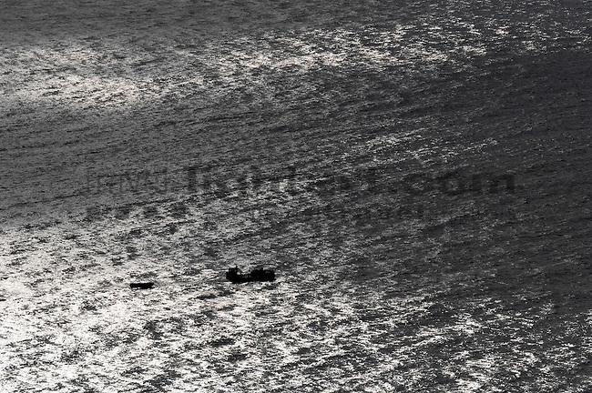 ©Paul Trummer, Mauren / FL, www.travel-lightart.com, Aussicht vom Aussichtspunkt Punto de la Amatista, View from lookout Punto de la Amatista, Almeria, Andalucia, Andalusia, Cabo de Gata, Europe, Geography, Spain, Andalusien, Europa, Geografie, Kap von Gata, Spanien, Landschaft, Landschaftsform, Landschaftsformen, Naturpark, naturparks, Naturreservat, Naturreservate, Naturschutzgebiet, Naturschutzgebiete, Naturschutzpark, Naturschutzparks, landscape, landscape form, landscape forms, landscapes, Nationalpark, Nationalparks, nature reserve, nature reserves, localities, lookout, outing platform, Gewässer, Meer, Meere, Mittelländisches Meer, Mittelmeer, bodies of water, body of water, mediterranean, Mediterranean sea, seas, coast, coastal landcsapes, coastline, coastlines, coasts, Küste, Küsten, Küstenlandschaft, Ereignis, Ereignisse, Licht, Lichteffekt, Lichteffekte, Lichter, Lichterscheinung, Lichterscheinungen, Naturereignis, Naturereignisse, Naturerscheinung, Naturerscheinungen, Naturphänomen, Naturphänomene, Reflektion, Reflektionen, Spiegelbild, Spiegelbilder, Spiegelung, Spiegelungen, event, events, Light, lightning effect, lightning effects, lights, mirror image, natural phenomenon, reflection, reflections, Boot, Boote, Dinge, Fahrzeug, Fahrzeuge, Gegenstand, Gegenstände, KFZ, Maritim, Sachen, Schiff, Schiffahrt, Schiffe, Transport, Transportformen, Transportmittel, Verkehr, Verkehrsformen, Verkehrsmittel, Wasserfahrzeuge, boat, boats, maritime, objects, ship, shipping, ships, things, traffic, transportation, transportations, vehicle, vehicles