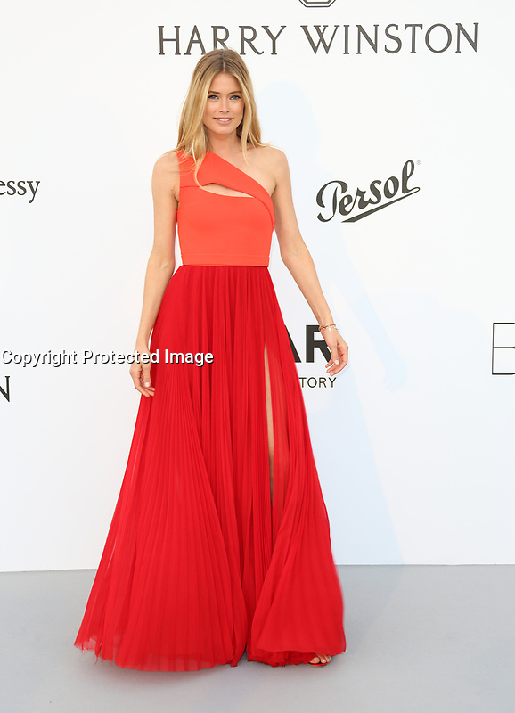DOUTZEN KROES<br /> amfAR Gala Cannes 2017 - Arrivals<br /> CAP D'ANTIBES, FRANCE - MAY 25 arrives at the amfAR Gala Cannes 2017 at Hotel du Cap-Eden-Roc on May 25, 2017 in Cap d'Antibes, France