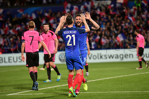04.06.2016. Stade Saint Symphorien, Metz, France. International football freindly,France versus Scotland. Goal scored by Laurent Koscielny (France) as he celebrates with Olivier Giroud (France)