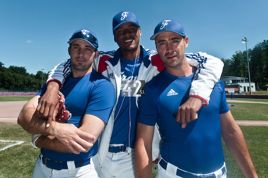 31 July 2010: Gaspard Fessy of Team France poses next to Harold Castillo and Jerome Rousseau prior to the Greece 14-5 win over France, at the 2010 European Championship, in Heidenheim, Germany.