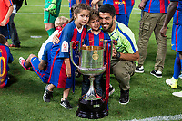 FC Barcelona's forward Luis Suarez with his kids after Copa del Rey (King's Cup) Final between Deportivo Alaves and FC Barcelona at Vicente Calderon Stadium in Madrid, May 27, 2017. Spain.<br /> (ALTERPHOTOS/BorjaB.Hojas) /NortePhoto.com