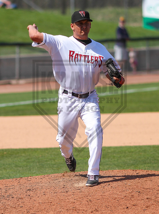 APPLETON - May 2015: Wisconsin Timber Rattlers pitcher Gian Rizzo (32) during a game against the Quad Cities River Bandits on May 2nd, 2015 at Fox Cities Stadium in Appleton, Wisconsin.  Quad Cities defeated Wisconsin 5-2.  (Brad Krause/Four Seam Images)