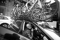Milan-San Remo 2012.raceday.Allan Peiper radio-check