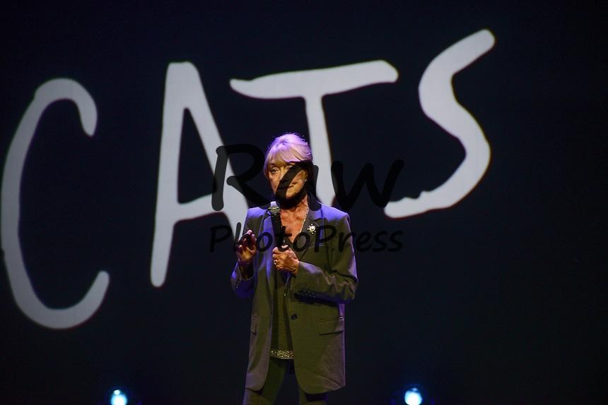 El musical 'Cats' se ha presentado en Par&iacute;s.<br /> <br /> 196255 Arnal/Starface 2015-04-27 <br /> Paris France<br />  Conference de presse du spectacle Cats a partir du 1 Octobre 2015 au theatre Mogador.