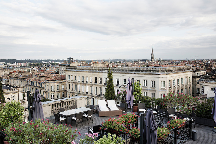 The rooftop of the Grand Hotel where the restaurant gordon ramsay Is in Bordeaux